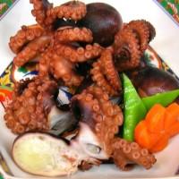 旬の地元の飯蛸を美味しく煮付けました