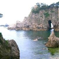 新潟県村上市の県北の海(笹川流れ)