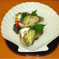 新潟県笹川流れの天然の岩牡蠣