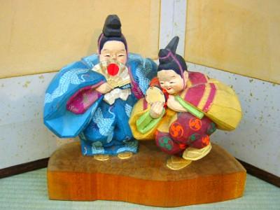 人形は小川潮人作 萬歳