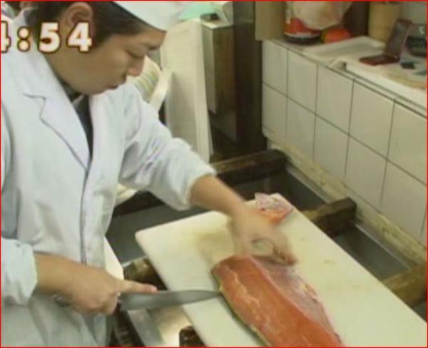 秋鮭を切ります