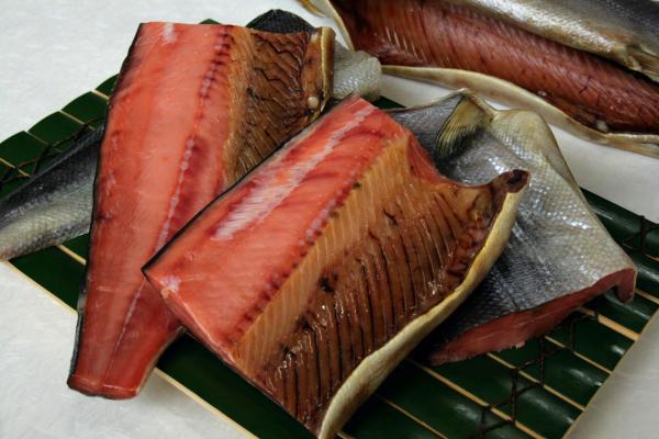 塩引き鮭  四つ切で