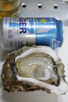 天然岩牡蠣 中身を確かめ品質の良いもの