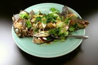 広東風鮭の姿蒸し